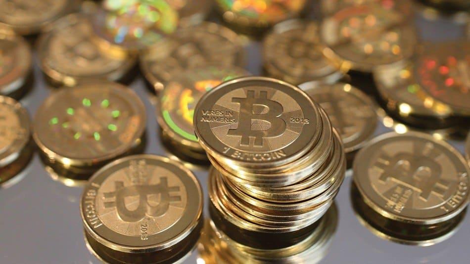 Мнения оптимистов и пессимистов о биткоинем